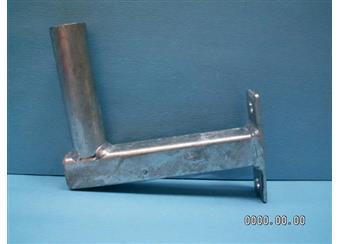 Držák pro anténu 25 cm od zdi