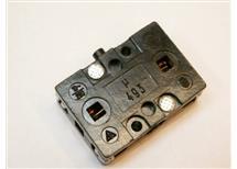 Mikrospínač u493 10A 230V  2pól  1xspíná 1xrozpíná 35x25x14mm