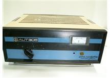 stabilizátor síťového napětí 220V 500W rozsah +-1% labolatorní provedení